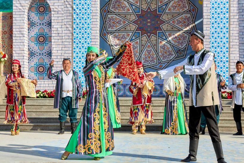 Uzbekistan Navruz festival dancing
